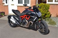 Ducati DIAVEL CARBON Carbon Red (2012/12)