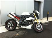 Triumph SPEED TRIPLE 1050 R  (2013/13)