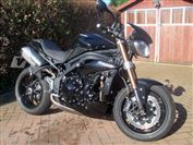 Triumph SPEED TRIPLE 1050  (2011/11)