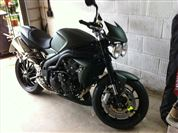 Triumph SPEED TRIPLE 1050 Matt Khaki Green (2010/60)