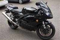 Triumph DAYTONA 955I Carbon black (2006/06)