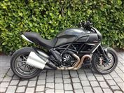 Ducati DIAVEL CARBON  (2012/62)