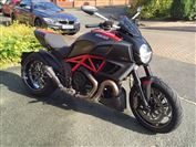 Ducati DIAVEL CARBON Carbon Red (2012/62)