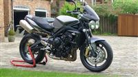 Triumph STREET TRIPLE R Charcoal Grey Matt (2009/58)